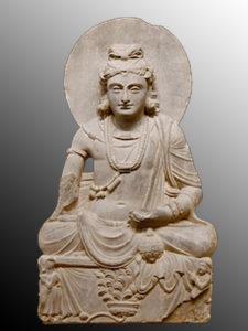 Maitreya-musée-national-d'art-oriental-de-Rome-fond-gris 3